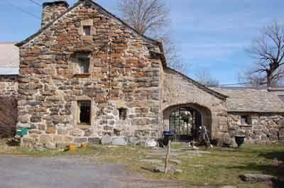 Maison en pierre et Cabane d'hôtes à vendre à Freycinet-la-Cuche dans le Lot