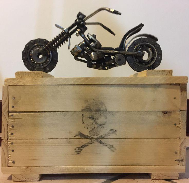 Moto chopper in metallo saldato : Sculture, incisioni, statue di luigi