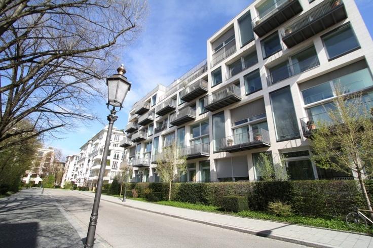 http://polpix.sueddeutsche.com/bild/1.1333893.1355366673/860x860/luxus-wohnung-premium-immobilie.jpg