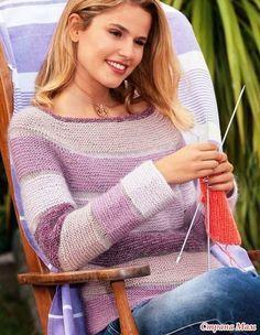 Пуловер-реглан, связанный сверху цветными платочными полосами