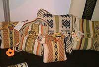 bolsos hechos en telar