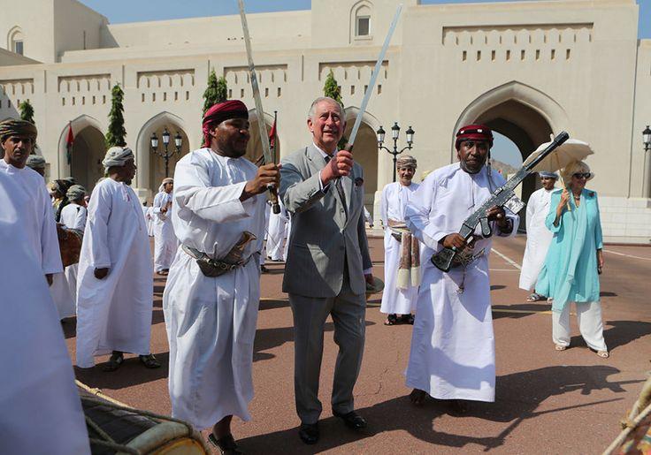 El momento más divertido llegó cuando el príncipe Carlos demostró su habilidad con la espada.