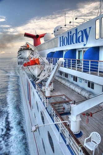 Carnival Holiday - now a retired ship and placed with another line in Spain. My first cruise <3 2008