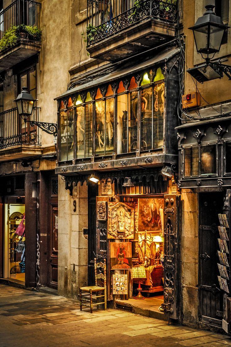 Barcelona - Galerias Sant Jordi .