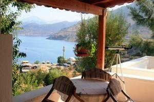 #Otel #Oteller #OtelRezervasyon - #Marmaris, #Muğla - Villa Manzara Marmaris - http://www.hotelleriye.com/mugla/villa-manzara-marmaris -  Genel Özellikler Bahçe, Aile Odaları, Klima Otel Etkinlikleri Açık Yüzme Havuzu Otel Hizmetleri Çamaşırhane, Havaalanı Servisi (ek ücrete tabi) İnternet Bağlantısı İnternet Wi-fi otel genelinde mevcuttur ve 24 saat için maliyeti 2 EUR'dir. Otopark Otopark Ücretsiz! Otelde (rezervasyon gere...