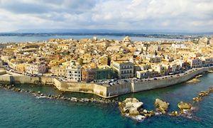 Groupon - ✈ Sicile : 1 semaine en hôtel 4* avec petits déjeuners ou demi-pension en option, vols A/R dès 299€ p.p.* à . Prix Groupon : 299€