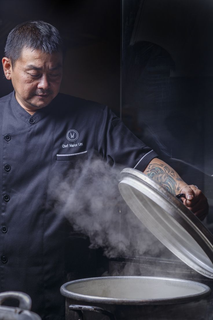 Portraits by Gia Marescotti | Jakarta | Indonesia | Photography | Chef making a coffee