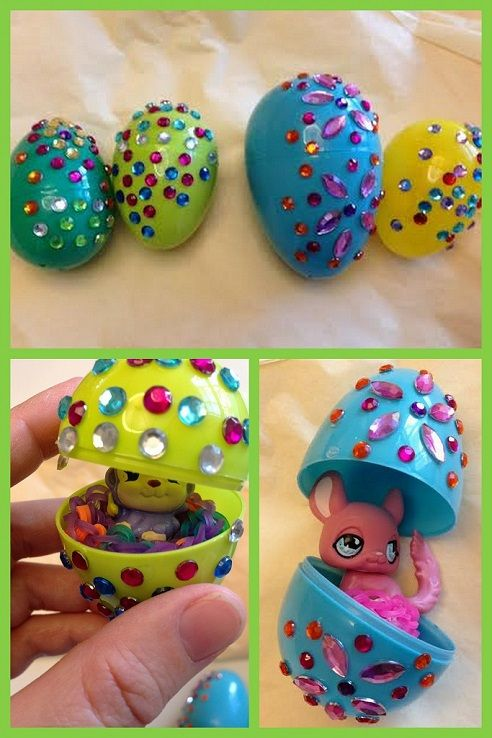 This project is so easy! How to make fun, sparkly rhinestone Easter Eggs.