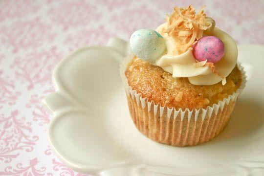 Hummingbird cupcakes | Lane ~ things she would like/love | Pinterest