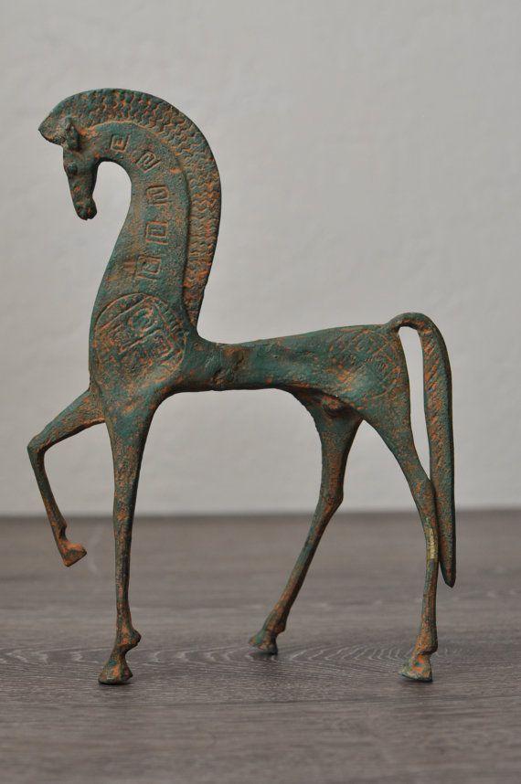 Escultura de caballo etruscos modernista al estilo de Frederic