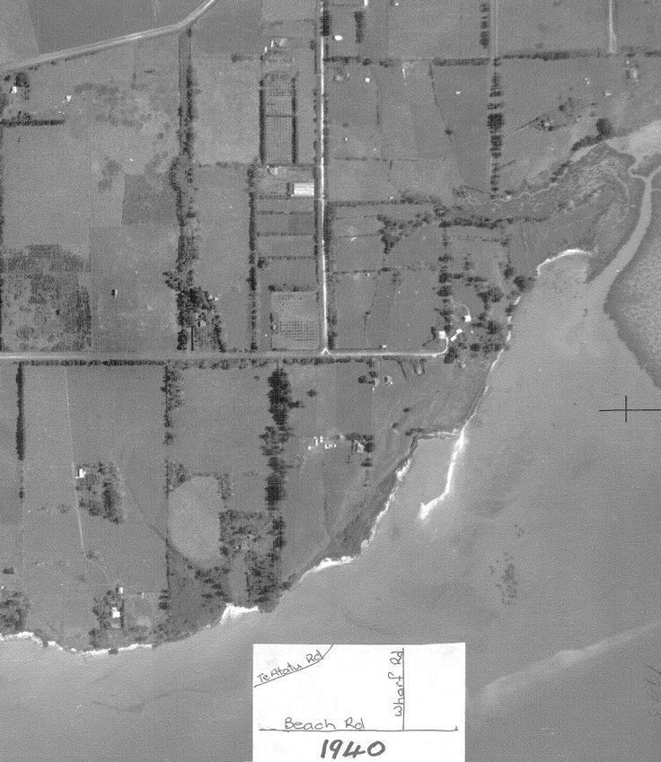 1940 aerial view of Beach Road, Te Atatu Peninsula.