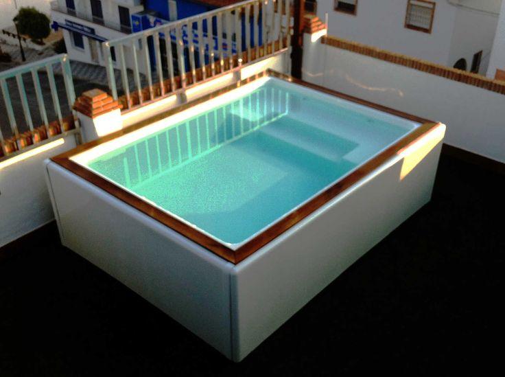 imagen de uno de los modelos de mini piscinas en fibra de vidrio y resina de