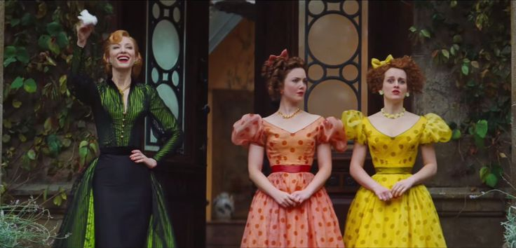 Matching polka dots for the evil stepsisters.
