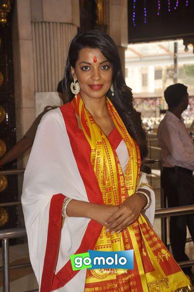 Mugdha Godse at the Muhurat of Hindi movie 'Romila' at Siddhivinayak Mandir in Prabhadevi, Mumbai