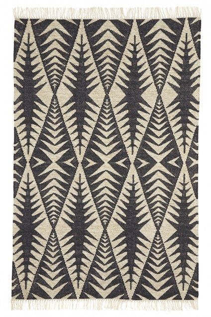 St Maarten Kilim Rug With Interwoven Hues Of Cream And