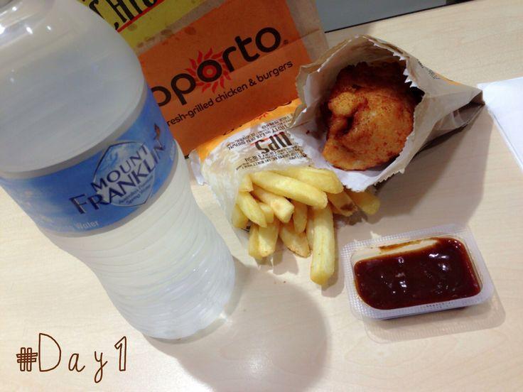 #30DaysChallengeRamadan #Day1 | My Break Fasting Meal  Ga keburu sampe rumah. Mampir dulu di Oporto. Bondi Bites + Chips + Spring Water. Feisty BBQ sauce-nya endeus!