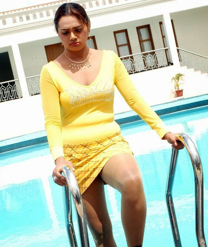 Hot Actress: Actress Abhinaya Sri Spicy Photos
