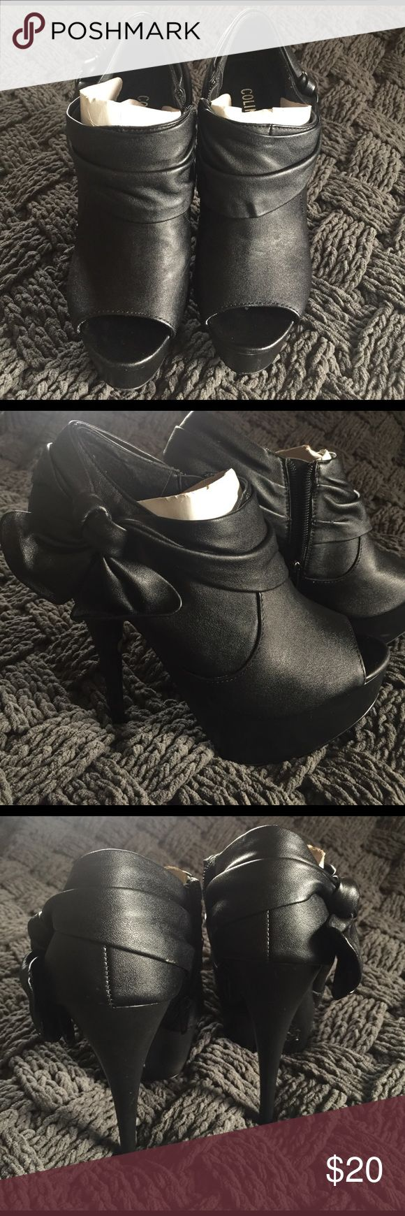 Black Colin Stuart Booties The cutest black Colin Stuart booties with bows on the side! Perfect for any night out! Dress them up or dress them down. Ok good condition. Colin Stuart Shoes Ankle Boots & Booties