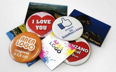 MAGNETI  Magneti personalizzabili con il vostro logo o immagine.  Ideali per eventi, manifestazioni, fiere o semplicemente per lasciare un simpatico gadget ai vostri clienti con i vostri dati.