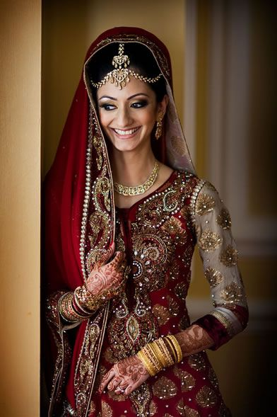 Asian bridal wear love this and jewellery on pinterest for Asian red wedding dresses