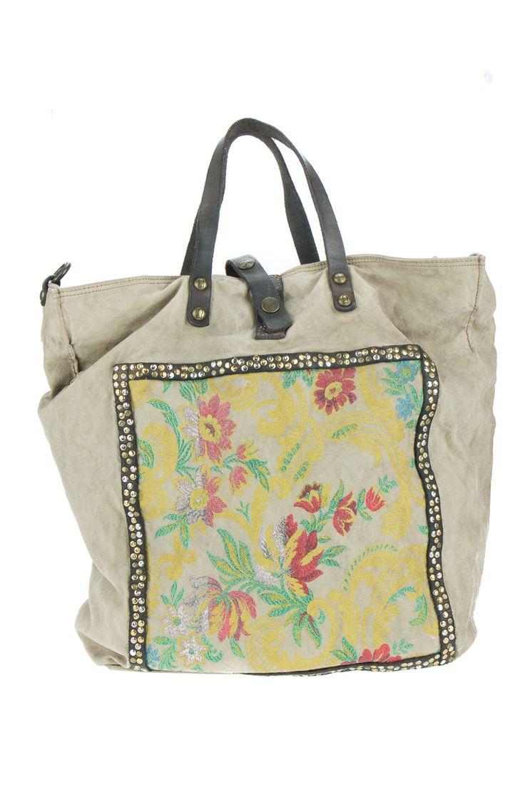 robuste Handtasche. Baumwollcanvas. Used-Optik .florale,antike Applikation mit Nieten. Made in Italy.Mode & Accessoires ✓ P2 Darmstadt ✓ Jetzt Kaufen ✓