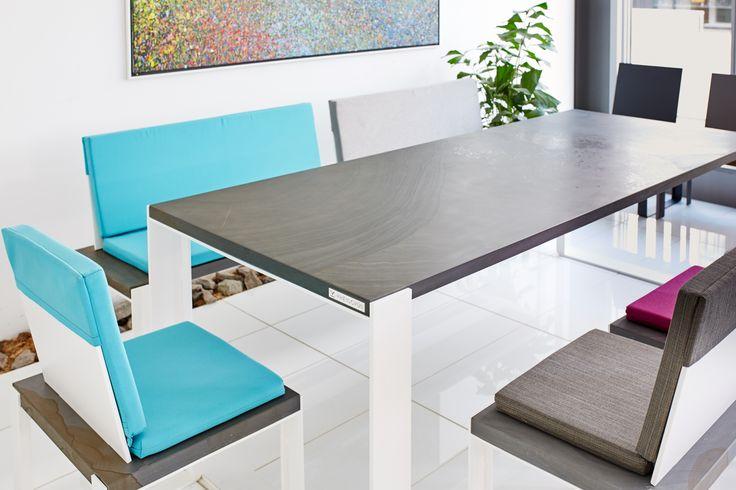 R1 Möbelgarnitur mit Grauwacke Platte. Original Quirrenbach. Hochwertig gefertigt. Außenmöbel der speziellen ART. Individuelle Anfertigungen sind möglich.