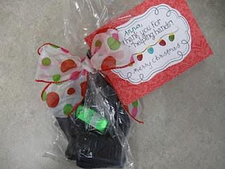 What the Teacher Wants!: Parent Volunteer Christmas Gifts: Volunteer Gifts, Parent Gift, Gift Ideas, Parent Volunteers, Teacher, Hand Sanitizer, Volunteer Christmas, Helping Hands, Christmas Gifts