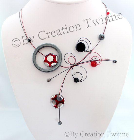 collier rouge et noir conception unique collier par creationtwinne