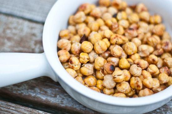 4 Ingredient Easy Salt & Vinegar Roasted Chickpeas