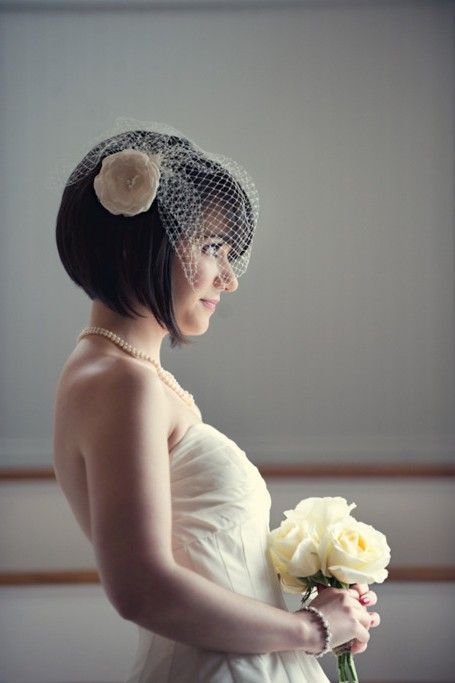 Short Bridal Hair Styles    Side View of Short Str+#bridal #Hair #Hairstyle #short #side #Straight