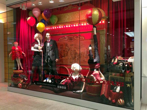 WINDOW 6 // SPECTACULAR! SPECTACULAR! // Store 4 - Laurier Quebec #LeChateauReveal #HolidayWindow #Visual #Merchandising #Christmas #Display