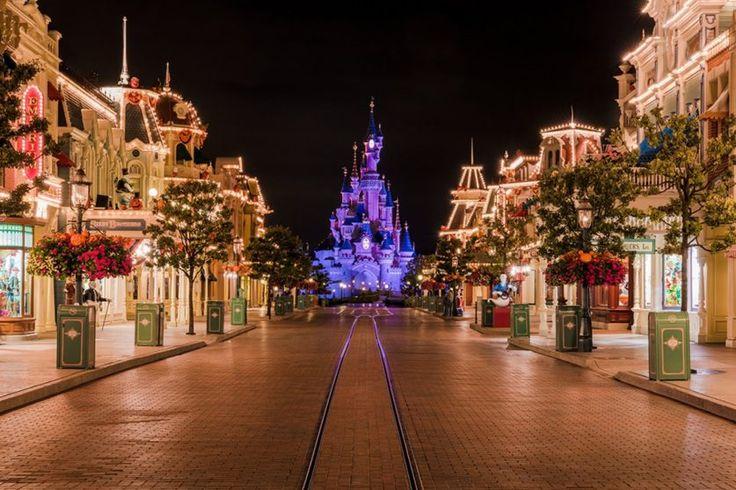 Γιορτές στο Παρίσι & τη Disneyland- 4 & 5 ημέρες – Antaeus Travel | Γραφείο Γενικού Τουρισμού Paris Disneyland Xmas Christmas Holidays antaeustravel
