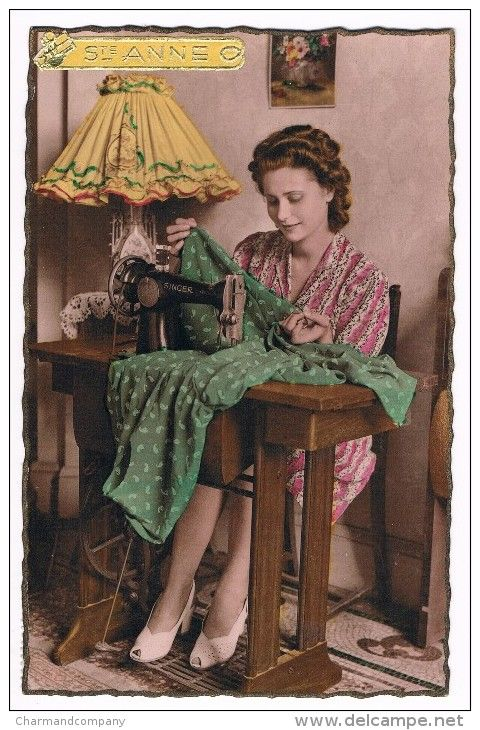Real photo postcard - Vive Ste Anne - Singer Sewing Machine - Machine à coudre Singer - 1948
