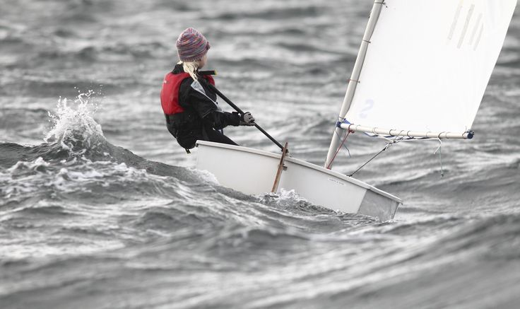 Alberte Møller Rehné sejler vinter sejlads i Egå Marina