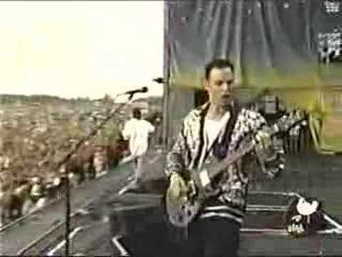 Creed - One Live at Woodstock 99 Awesome video !