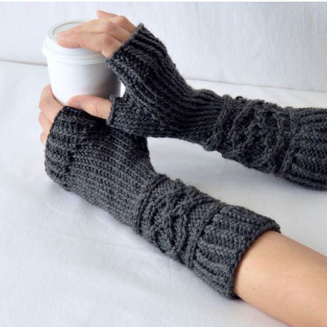 Having a cup, maybe two, and I am about to knit these gloves for you. What color would you just love to have these in? Red, purple, blue, black...maybe I will make them in your favorite color ➰