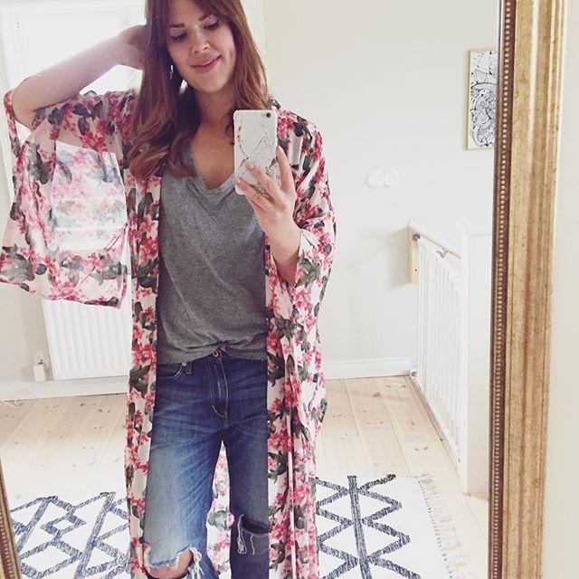 WEBSTA @ colorelles - Jeansmåndag. Gör det jag ofta gör på måndagar. Planerar, styr och fixar. #ootd#outfit