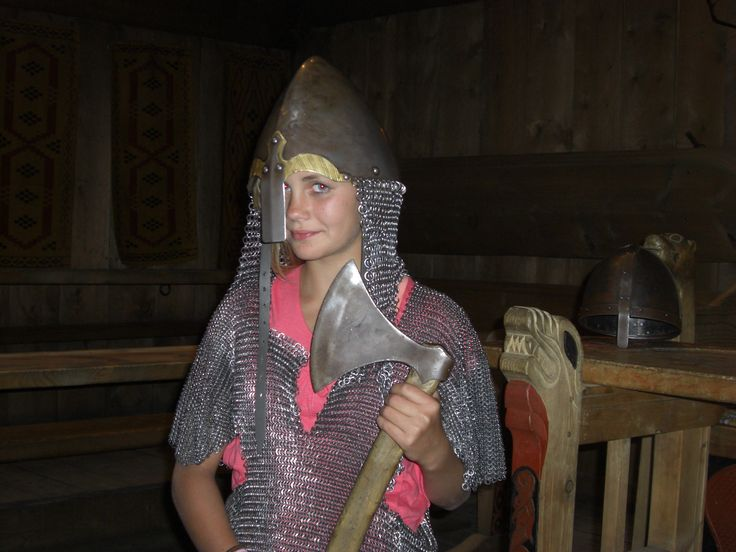 Vikinggirl Lofotr Vikingmuseum