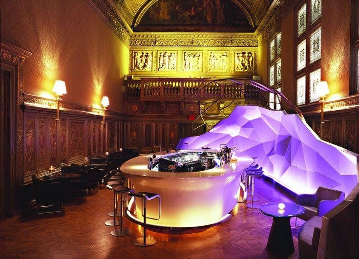 gilt restaurant bar at the new york palace