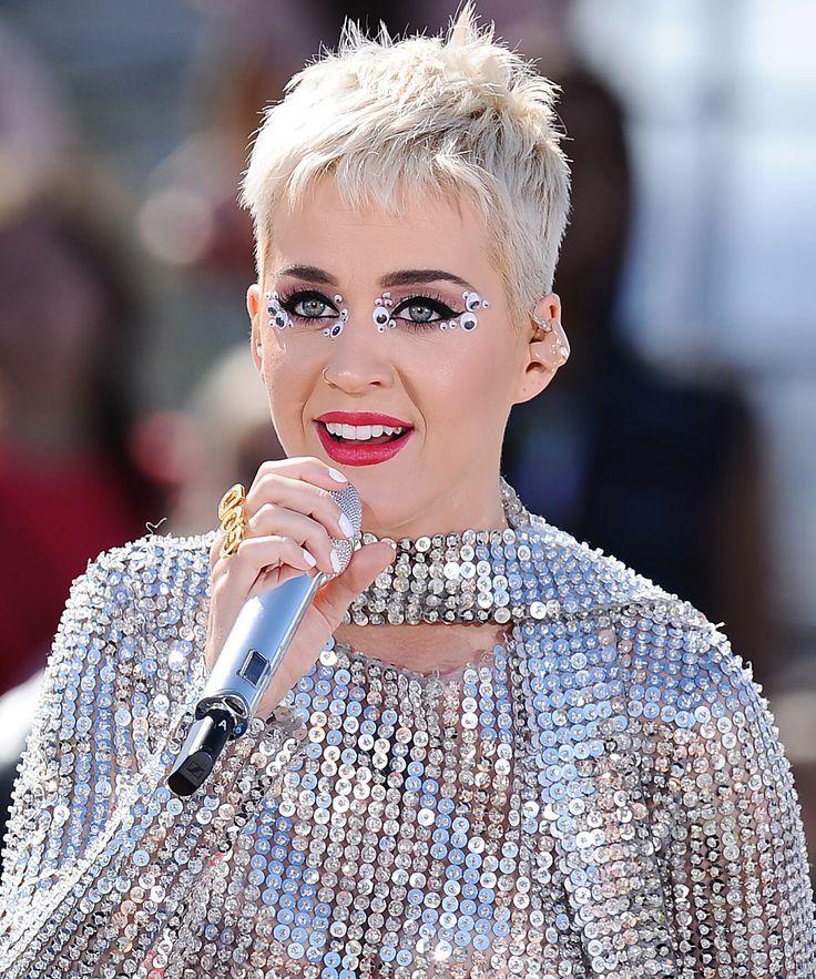 Riasan Mata 'Googly Eyes' Katy Perry nan Modern : ELLE Indonesia