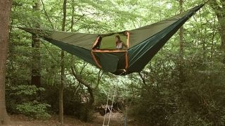 Hammock tent! Cool! Now thats how you camp...never know when a bear will comeIdeas,  Lawns Carts, Hammocks Tents,  Gardens Carts, Bears, Trees Tents, Camps, Trees House,  Wheelbarrow