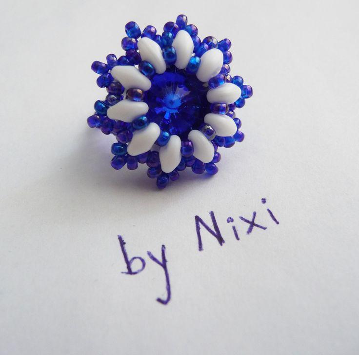"""Prsten """"Modrá studánka"""" korálkový prstýnek s imitací swarovski rivoli"""