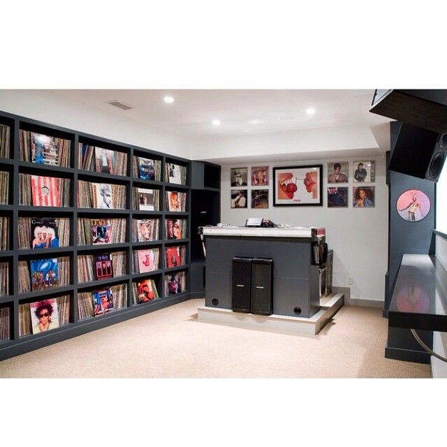 Now this is a home DJ room.