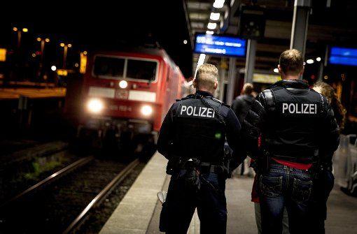 Cannstatter Volksfest: Unter #24hBPol twittert die Polizei - Cannstatter Volksfest - Stuttgarter Zeitung