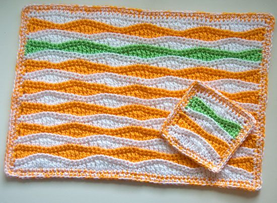 Summer Waves Placemat and Coaster pattern. Free pattern. I can picture a light tan on the1st few rows and blues and white for the rest of the rows