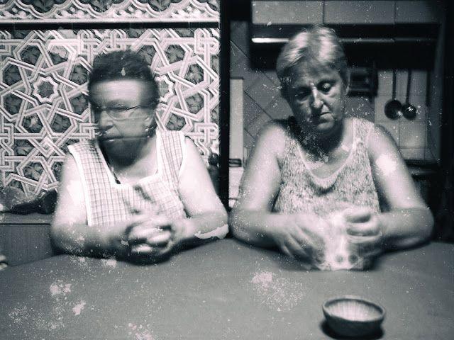 Eric Lavergne Images: Partida de cartas / Partie de cartes.  3.118 bn Creepy.