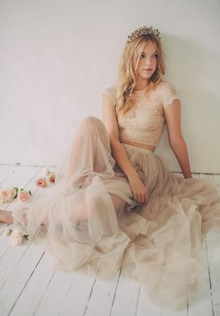 Crop Top Wedding Drss Champagne Color // Love the beige colour of this wedding look, probably wouldn't wear a crop top and tulle skirt but I love the overall feel of it.