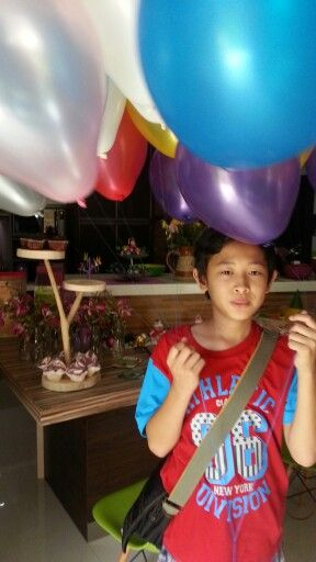Birthday party with ballons