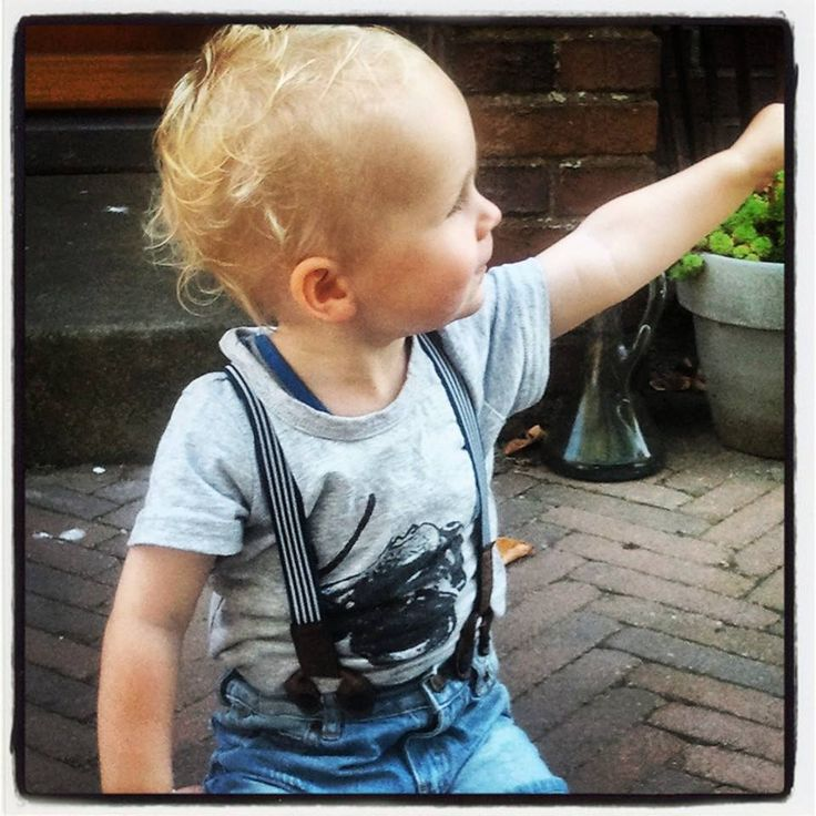 Shirt €8 Unieke jongenskleding van sennes.nl  #babyfashion #kidsfashion #kidsclothing #fashionkids #kidsfashion #stylishbaby #stylishkids #boysclothing #boyswear #kidswear #boysfashion #fashionableboys  #fashionablekids #stylishkids #coolhair #kidspompadour #boyshaircut #haircutboy #communiekleding #bruidsjonker #bruiloft #Partyoutfitboys