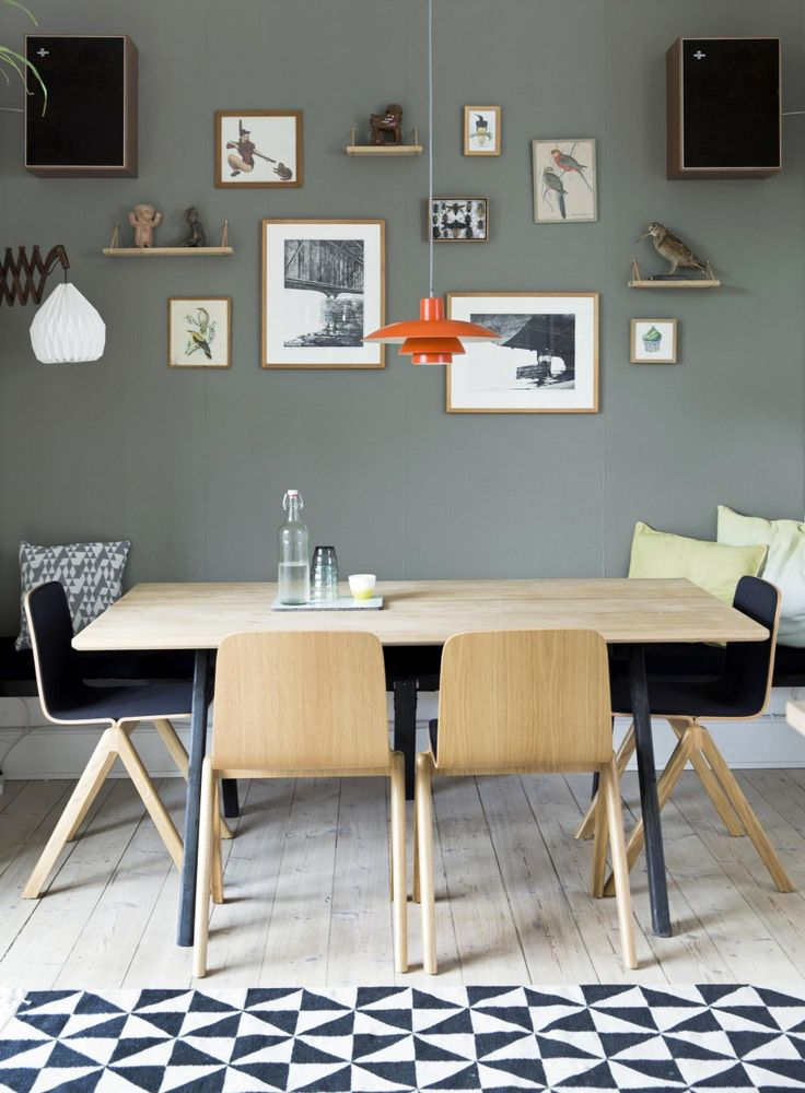 Wooden dinette and decoration on the wall | Styling Mette Helena Rasmussen | Photographer Tia Borgsmidt | vtwonen July 2015